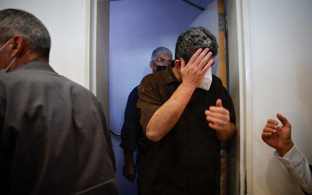 Yaqoub Abu Al-Qia'an, accusé de délits de sécurité nationale pour avoir transmis des informations à l'Iran, au tribunal de district de Beer Sheva, le 12 juillet 2021. (Crédit : Flash90)
