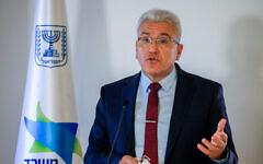 Le responsable de la lutte contre le coronavirus en Israël, Salman Zarka, lors d'une conférence de presse sur le coronavirus à Jérusalem, le 29 août 2021. (Crédit :Olivier Fitoussi/Flash90)