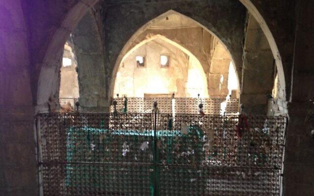 Le tombeau du prophète juif Nahum à  Alqosh, en Irak. (Crédit : CC BY-SA, Chaldean/Wikipedia)