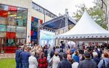 Des Juifs sibériens célèbrent l'ouverture d'un nouveau centre d'éducation juive à Tomsk, en Russie, le 12 septembre 2021. (Crédit : Levy Kaminetzky via JTA)