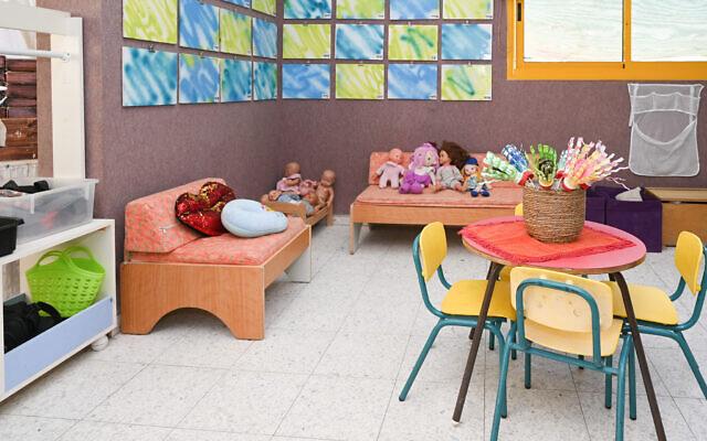 Vue d'un jardin d'enfants avant l'ouverture de la nouvelle année, à Katzrin, dans le nord d'Israël, le 29 août 2021. (Michael Giladi/Flash90)