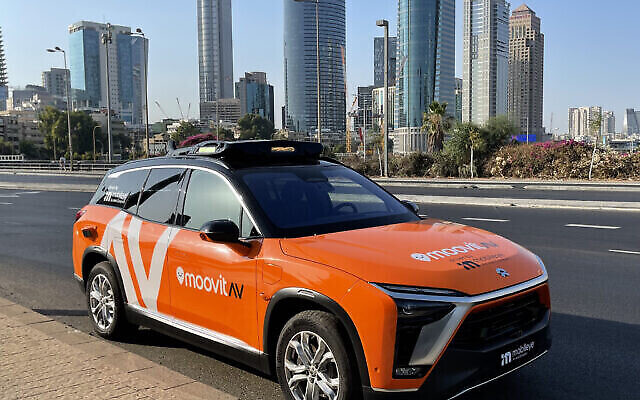 Un projet pilote de taxi autonome, ou robotaxi, sera lancé par Mobileye, une société d'Intel, à Tel Aviv et à Munich en 2022, a annoncé Mobileye en septembre 2021. Les passagers pourront héler une course en utilisant Moovit, une société israélienne rachetée par Intel en 2020. (Mobileye/Intel)