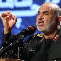 Le commandant des Gardiens de la révolution iraniens, le général de division Hossein Salami, s'exprime au musée de la Révolution islamique et de la Sainte Défense de Téhéran, lors du dévoilement d'une exposition de ce que l'Iran dit être des drones américains et autres capturés sur son territoire, le 21 septembre 2019. (Atta Kenare/AFP)