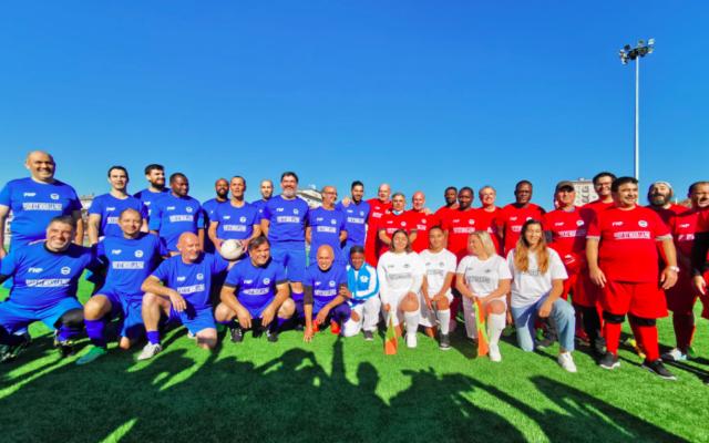 Les joueurs juifs, musulmans et chrétiens qui ont participé au match du club International Meinau Académie, le 24 ocotbre 2021, à Strasbourg. (Crédit : International Meinau Académie / Facebook)