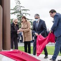 La cérémonie d'inauguration du mémorial du camp d'internement de Noé, le 22 octobre 2021. (Crédit : Georges Méric / Twitter)