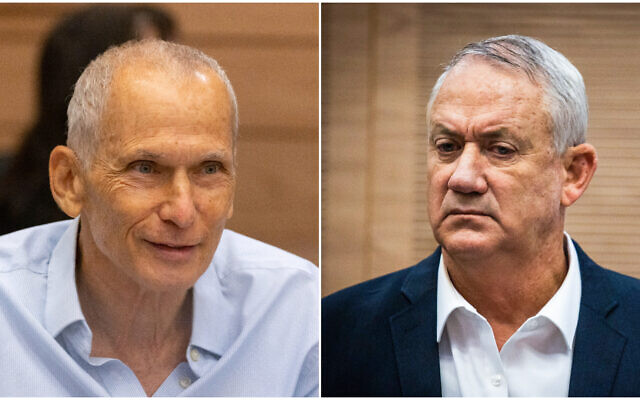 (G) Le ministre de la Sécurité Publique Omer Barlev lors d'une réunion à la Knesset, le 13 septembre 2021 et (D) le ministre de la Défense Benny Gantz lors d'une réunion à la Knesset, le 19 octobre 2021. (Crédit : Olivier Fitoussi ; Yonatan Sindel/Flash90)