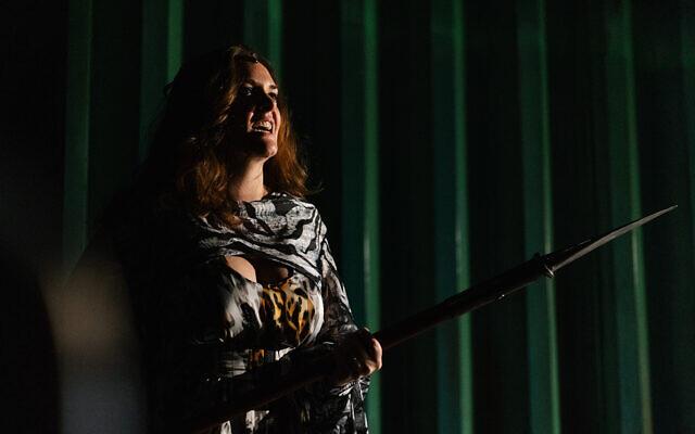 """Répétitions de """"Kundry"""", un opéra original créé pour le festival artistique """"Regarding Goddesses"""", lancé à Tel Aviv le 21 octobre 2021 (Crédit : autorisation Alexey Kudrik)."""