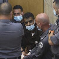 L'un des six fugitifs, Zakaria Zubeidi, arrive pour une audience au tribunal de district de Nazareth, le 11 septembre 2021. (Crédit : David Cohen/Flash90)
