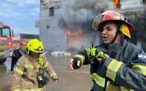 Un incendie au centre commercial Z Center dans la ville de Qalansawe, au centre d'Israël, le 16 octobre 2021 (Services de secours et d'incendie)