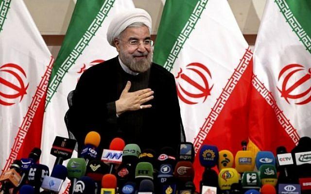 Le président élu de l'Iran, Hasan Rohani, lors d'une conférence de presse, à Téhéran, le 17 juin 2013. (photo credit: Ebrahim Noroozi/AP)