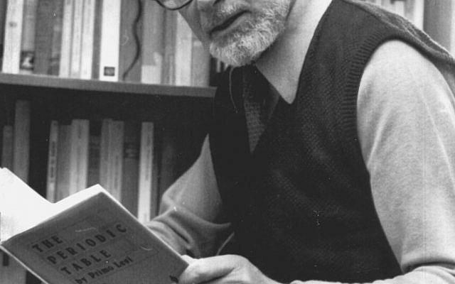 Primo Levi, le 10 décembre 1984. (AP Photo)