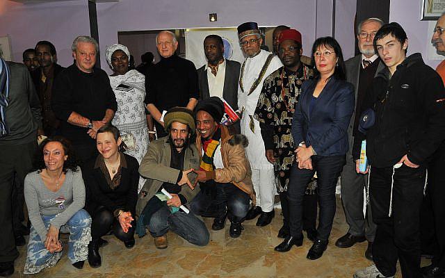 """Conférence internationale des Juifs Noirs à Paris et retrait du Siddour raciste """"Kol Ha neshama"""" des synagogues, 2012."""