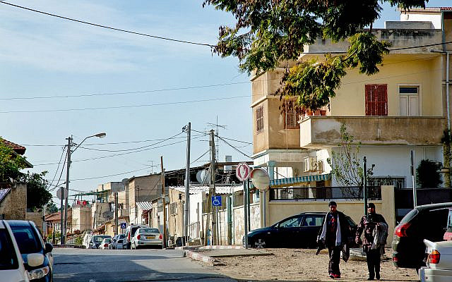 Une rue de la ville de Ramle, 22 janvier 2016. Photo de Moshe Shai / FLASH90