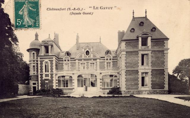 Le château du Gavoy, à Châteaufort (ex Seine-et-Oise), propriété familiale des Barry de Longchamps.