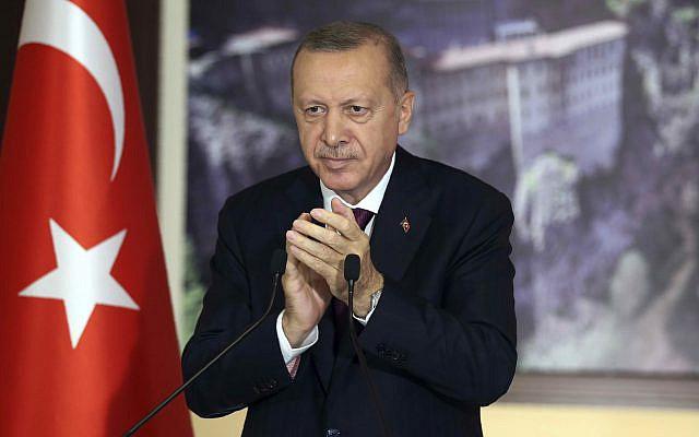 Le président turc Recep Tayyip Erdogan lors d'une conférence à Istanbul, le mardi 28 juillet 2020 (Présidence turque via AP, Pool)