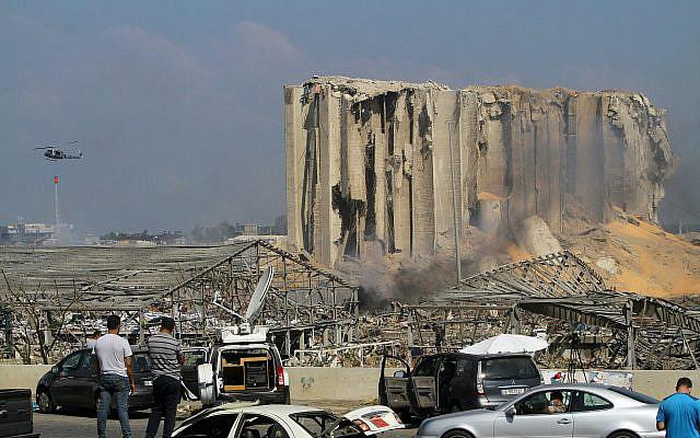 Vue de bâtiments endommagés après l'explosion massive à Beyrouth, Liban, 05 août 2020. Photo par Zaatari Liban / Flash90