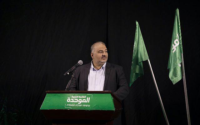 Mansour Abbas, chef de la Liste arabe unie, également connu sous le nom hébreu Ra'am, en Israël, le jeudi 1er avril 2021 (Crédit: AP Photo / Ariel Schalit)
