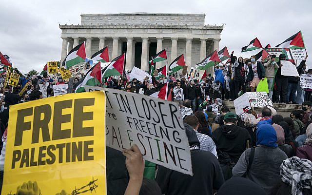Marche nationale pour la Palestine au Lincoln Memorial, à Washington, samedi 29 mai 2021. (AP Photo / Jose Luis Magana)