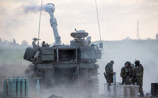 Le Corps d'artillerie de Tsahal, près de la frontière israélienne avec Gaza, le 17 mai 2021. Photo de Yonatan Sindel / Flash90