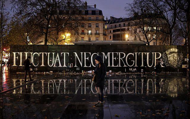 Place de la République à Paris, le samedi 21 novembre 2015. (Photo AP/Laurent Cipriani)