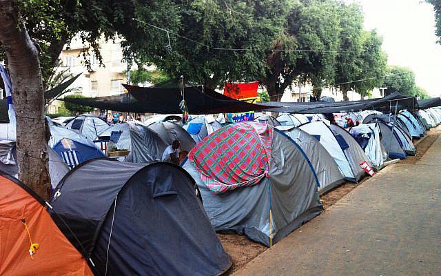 Les tentes du boulevard Rothschild à Tel Aviv, le 21 juillet 2011