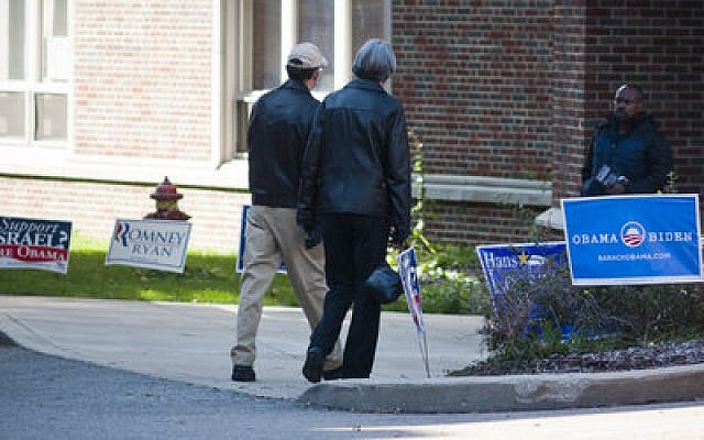 Voters head to the polls in Squirrel Hill Tuesday (Chronicle photo by Ohad Cadji)