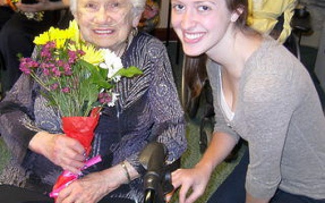The late Estelle Davidson, a former Weinberg Terrace resident, pictured here with JAA volunteer Becca Stern, a student at the University of Pittsburgh, was a participant in Lessons of a Lifetime. (JAA photo)