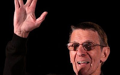 "Leonard Nimoy, at the 2011 Phoenix Comicon in Phoenix, Az., gives his Vulcan hand gesture from ""Star Trek"" — a gesture he said was modeled after the Jewish kohanim. (Gage Skidmore photo)"