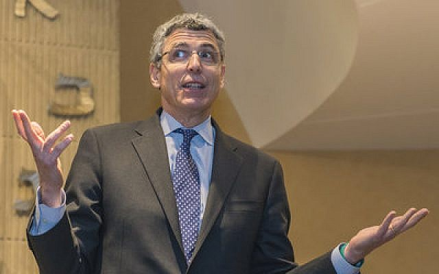 Rabbi Rick Jacobs makes a point at the Temple Emanuel town hall, Thursday, Feb. 27. (Dale Lazar photo)