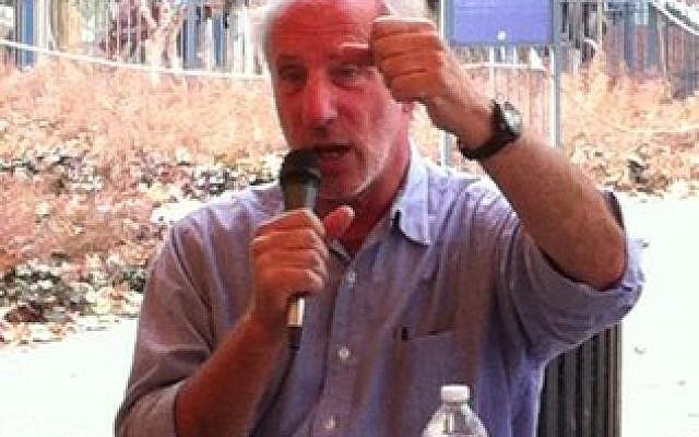 University of Pittsburgh professor Ken Boas advocates for boycott of Israel. (Photo by Toby Tabachnick)