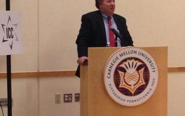 "David Makovsky asks his audience to ""think about ways of bringing people together."" (Photo provided by Hillel JUC )"