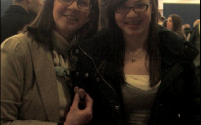 Margot Cohen, now a freshman at the University of Pittsburgh, is organizing a walk to raise money for lung cancer research in memory of her mother, Rhonda. Margot and Rhonda are pictured here in 2011.