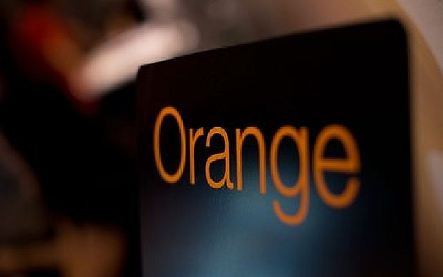 The French telecom giant Orange announced June 4 that it would terminate its relationship with its Israeli affiliate, Partner Communications. (Photo by Gonzalo Arroyo Moreno/Getty Images)
