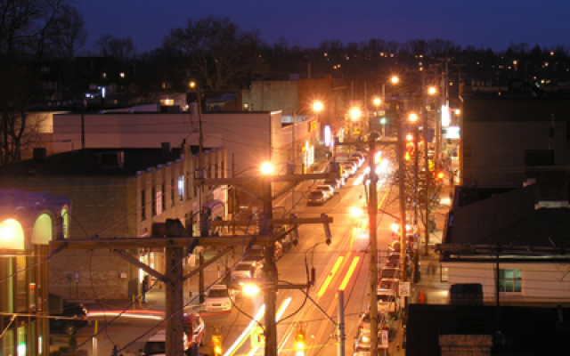 Looking down Murray Avenue toward the Forbes Avenue intersection (Photo by Peter Pawlowski/flickr)
