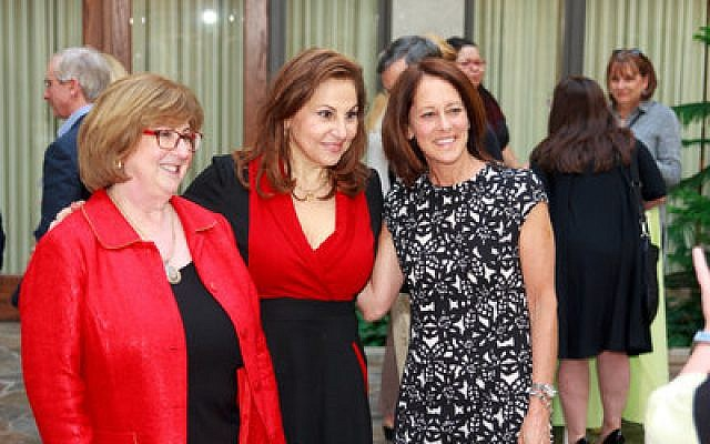 Kathy Najimy, center, poses for a photo with outgoing NCJW president Paula Garett, left, and incoming president Laurie Gottlieb. Photo courtesy of NCJW