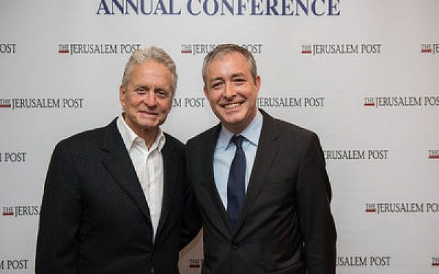 Actor Michael Douglas (left) and Andrés Spokoiny, president and CEO of the JFN  Photo courtesy of Jewish Funders Network