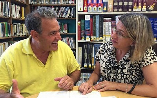 John Woldin and Debby Dixler in Nanuet, N.Y., enjoy learning together as part of that community's Chai Mitzvah cohort. Photo provided by chaimitzvah.org
