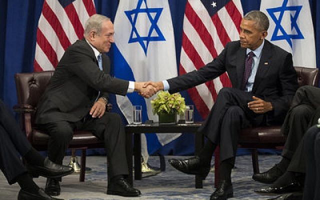 Prime Minister Benjamin Netanyahu shakes hands with President Barack Obama during their meeting at a New York City hotel last week. Photo by Drew Angerer/Getty Images