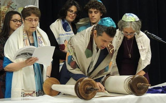 The Kesher Pittsburgh Rosh Hashanah service. Photo courtesy of Keshira haLev Fife