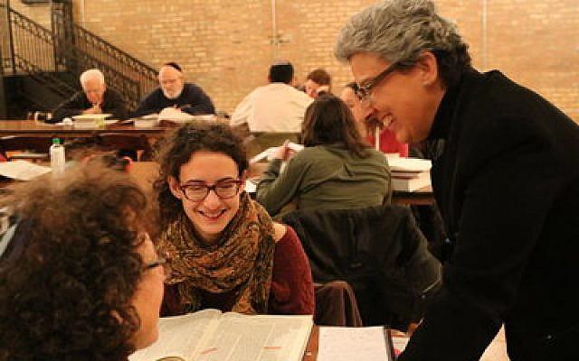 Rabbi Benay Lappe (right) engages with students.Photo courtesy of Rabbi Benay Lappe