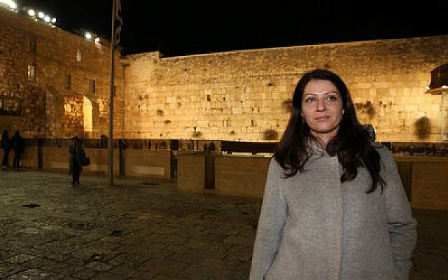 Muna Duzdar, whose position in Austria is equivalent to deputy foreign minister, visits the Western Wall on Jan. 6.   Photo by Uri Ishay