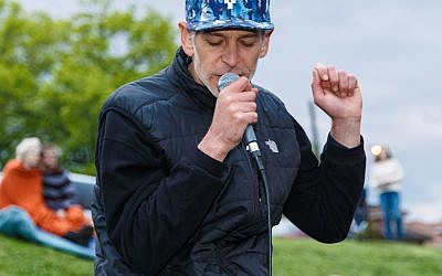 Matisyahu performs at the Federation's May 2 Yom Ha'atzmaut celebration. (Photo by David Bachman)