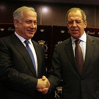 Likud Party leader Benjamin Netanyahu, left,  with Russian Foreign Minister Sergei Lavrov.   (Brian Hendler photo)