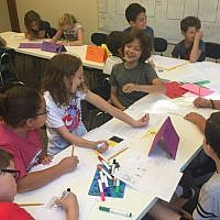 Fourth-graders learn the basics of Havruta learning    Photo courtesy of J-JEP