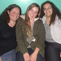 Israel's Dana Federman, center, and Pittsburgh's Rosa Myers, right, have been pen pals since they were children. At left is Rosa's mother, Melissa. (Photo courtesy of Rosa Myers)