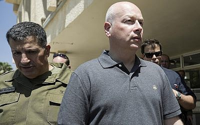 Jason Greenblatt visits the Nahal Oz military base near the Gaza border. (Photo by Anadolu Agency/Getty Images)