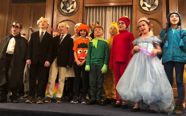 The Muppets cast sings the grand finale. (Photo courtesy of Adat Shalom)