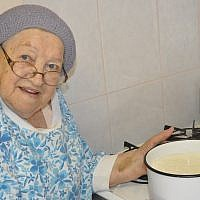 Malka Markovic, who died at age 94 on May 9, was known for her career in catering and  fulltime mikvah attending. (Photo by Adam Reinherz)