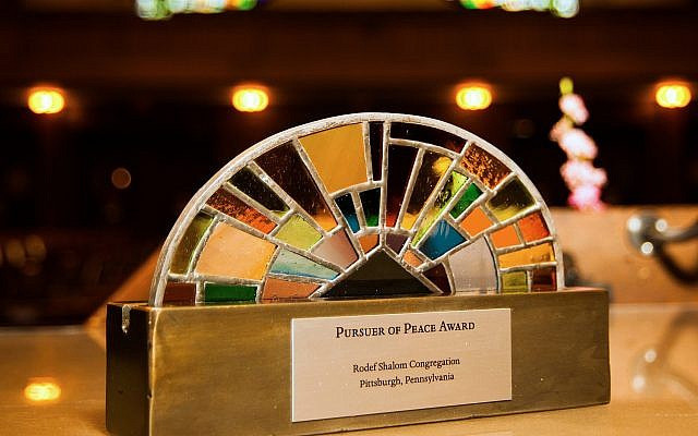 The Pursuer of Peace Award goes to Rabbi Abraham Twerski and Gateway Rehab. (Photo courtesy of Rodef Shalom)