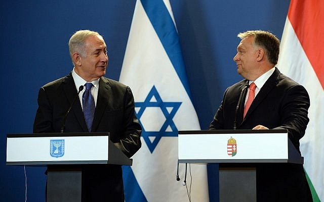 Israeli Prime Minister Benjamin Netanyahu, left, and his Hungarian counterpart Viktor Orban hold a joint news conference at the Parliament building in Budapest, Hungary, in 2017.  (Photo by Haim Zach/Israeli Government Press Office)